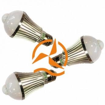 Lot de 3 ampoules spot à LEDs Révolutionnaire intégrant un détecteur de présence 220 Volts culot E27 éclairage blanc