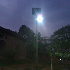 Lampadaire-solaire-Cameroun-2017-1