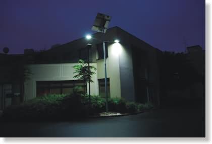 Photo candélabre solaire photovoltaïque 8 mètres